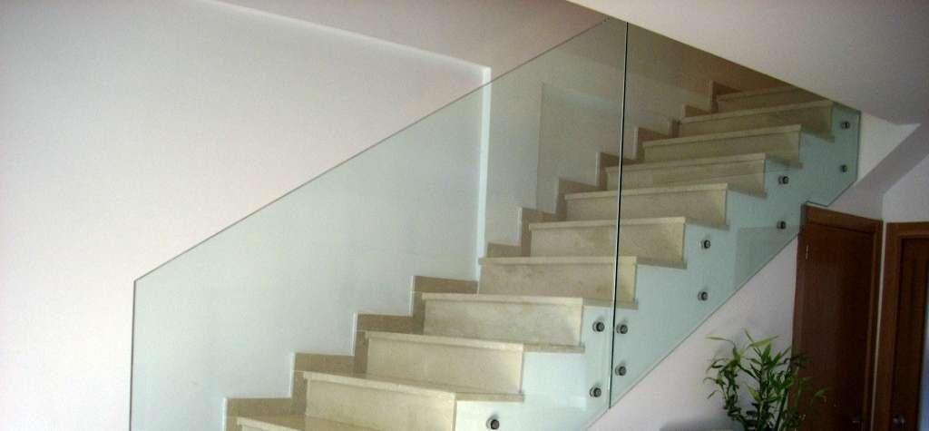 Barandillas de cristalPrecio cristal para barandilla de escalera