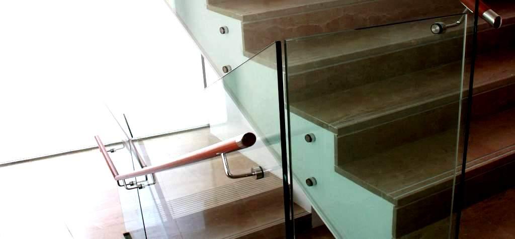 barandilla de cristal para escalera precio por metro lineal
