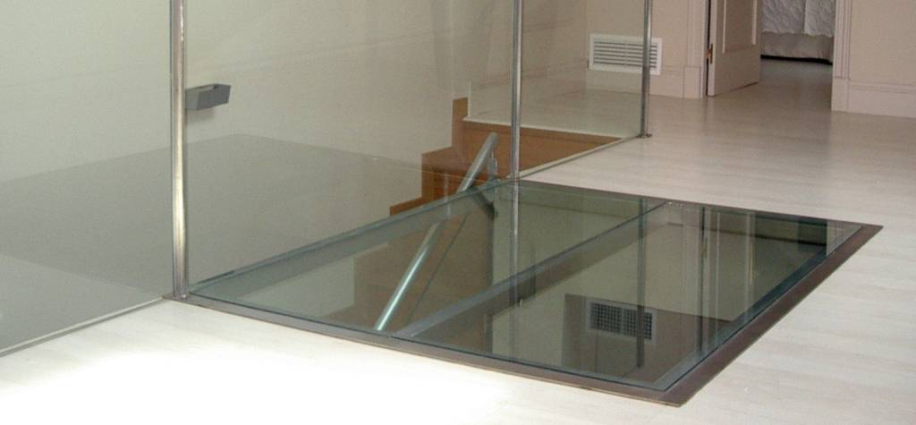 barandillas de cristal para escalera volada