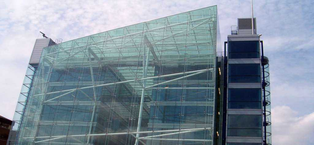 Cristalerias En Madrid Especialistas En Construcciones en Vidrio