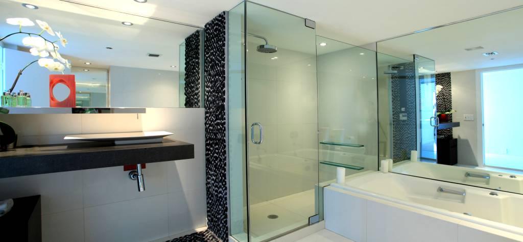Cristales a medida para mamparas de ducha for Duchas de techo precio