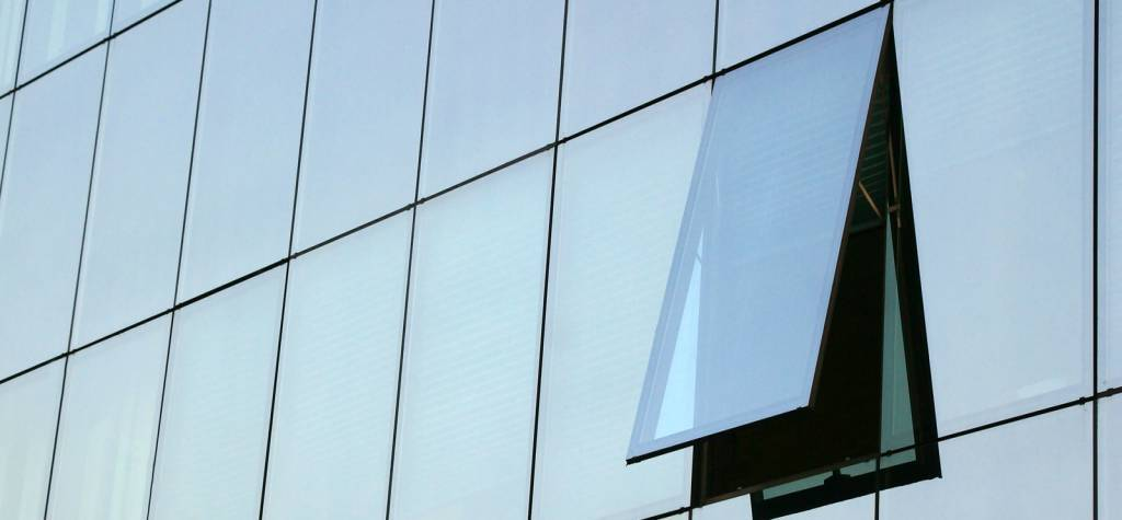 Muros cortina de vidrio estructural - Precio fachadas de cristal en Madrid