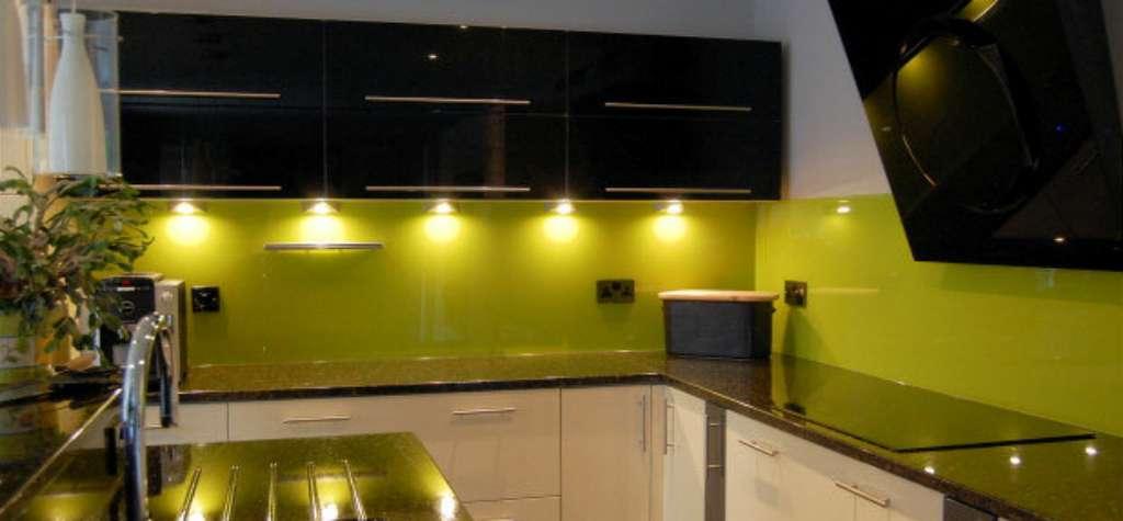 reformas cocinas con panel de vidrio lacado precio España m2 vidrio laminado 3+3