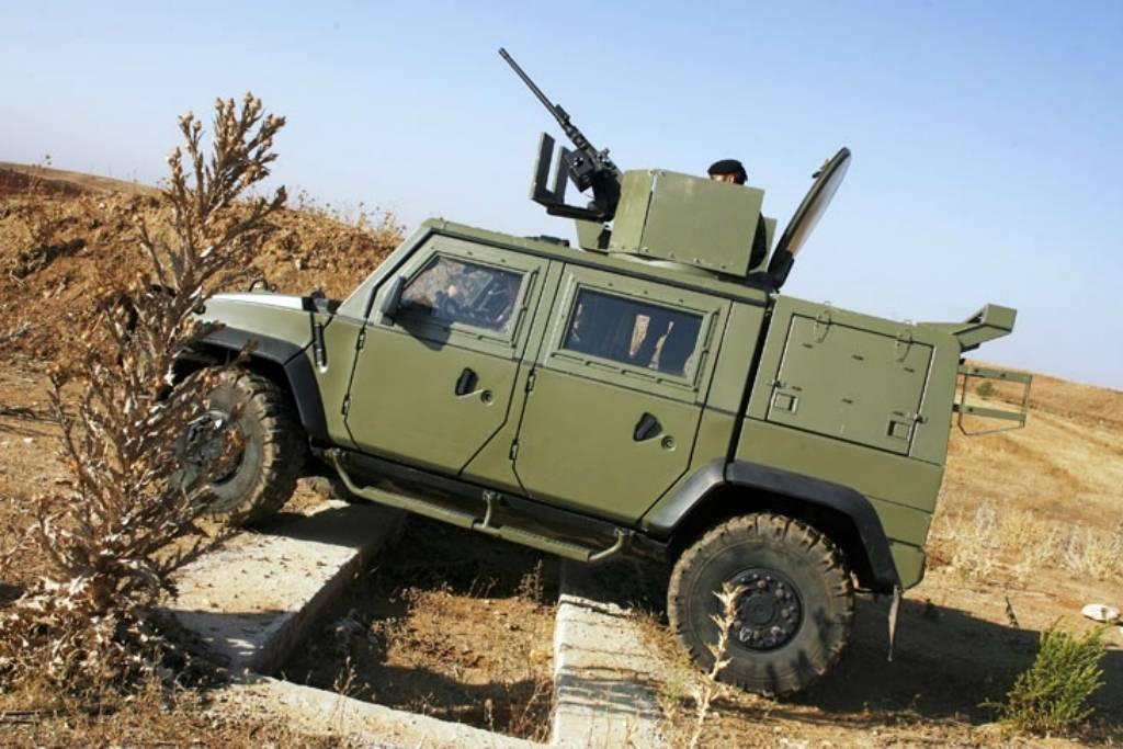 vehículo blindado ligero sobre ruedas 03