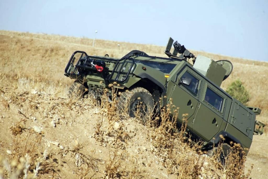 vehículo blindado ligero sobre ruedas 05