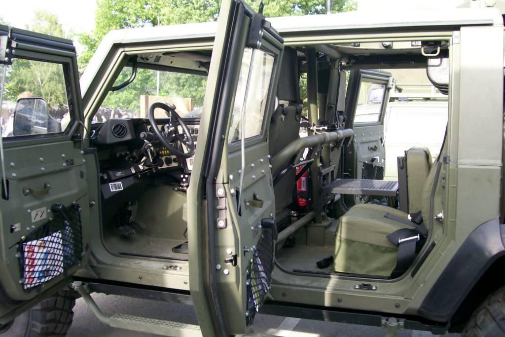 vehículo blindado ligero sobre ruedas